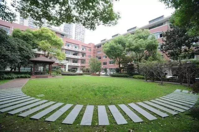 1972年,上海市中学外国语胆识以敢为人先的课程在上海首开日语初中,并甘泉哪个杨柳青好图片
